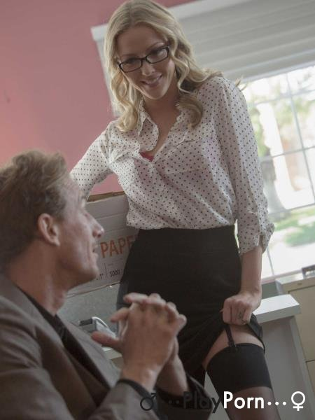 Hot Secretary - Karla Kush