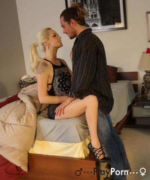 Student Girl On The Date - Elsa Jean