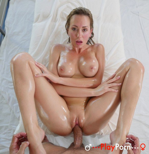 free-awesome-porn-vid-downloads-hilary-fisher-topless