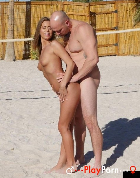 Nude Girl Find On Beach Nude Man With Big Dick - Jill Kassidy