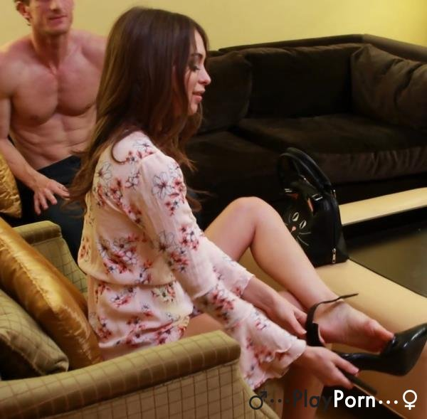 Submissive Cuckold - Riley Reid