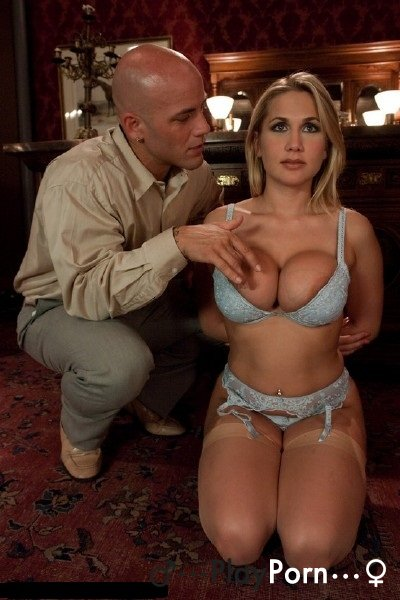 Lost Wife In The Casino - Alanah Rae