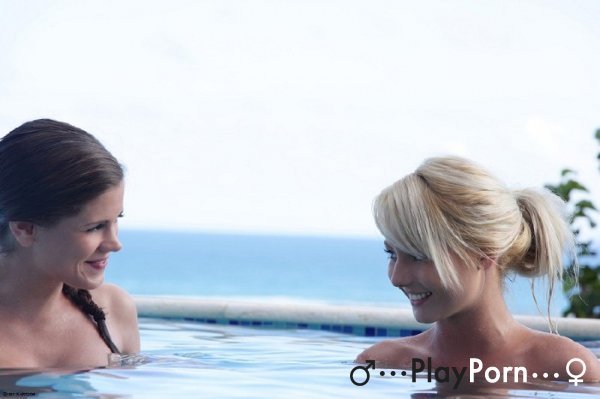 Beautiful Teen Threesome In The Pool - Little Caprice And Pinky June
