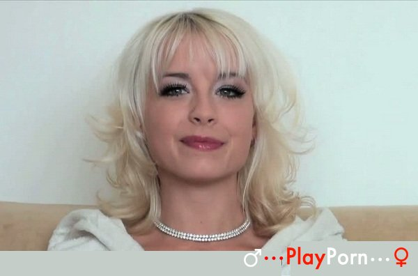 Sex Show On Scene - Mia Magma