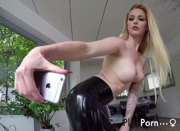 German Girl In Latex Fuck - Lucy Cat