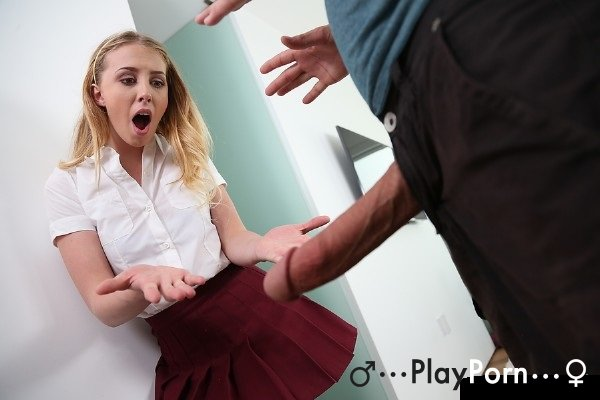StepFather Show Big Dick For StepDaughter - Chloe Scott