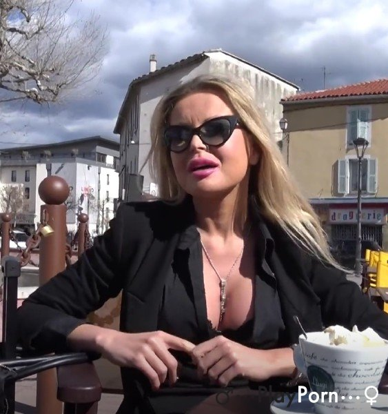 Sex With Glamour Milf From France - Joanna